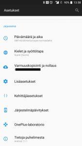 Ennakoiva tekstinsyöttö pois Android-puhelimilla